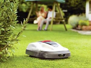 Robot rasaerba per taglio erba giardino assistenza e vendita